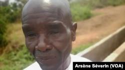 Gérald Menga Nzitoukoulou, producteur agricole, salue la canalisation de l'eau à Mindouli. (VOA/Arsène Séverin)