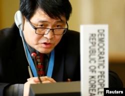 스위스 제네바 주재 북한대표부의 주용철 참사관이 16일 제네바에서 유엔 군축회의에 참석했다.