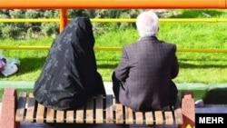 ر سال گذشته بین ۸۰۰ تا ۹۰۰ سالمند بالای ۶۰ سال صاحب فرزند شدهاند - عکس آرشیوی