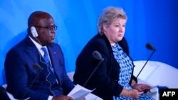 Président Félix Tshisekedi (D) pene na ministre ya yambo ya Norvège Erna Solberg, na bokutani ya Climate Action na New York, Etats-Unis, 23 septembre 2019.