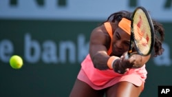Serena Williams, en pleine forme ce weekend (AP Photo/Mark J. Terrill)