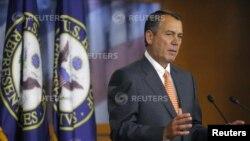 Ketua DPR AS John Boehner memberikan keterangan pers mengenai persetujuan atas rencana pengeluaran pemerintah, Kamis (21/3).