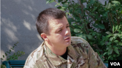 Semеn Semеnchenko, commander of the Donbas battalion, a volunteer paramilitary unit in Ukraine's National Guard, seen during a lobbying trip to Washington, Sept. 16, 2014 (Elizabeth Pfotzer/VOA)