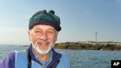 In 1973, as a young birding instructor in Maine, Kress began transplanting hundreds of downy puffin chicks from Newfoundland to Eastern Egg Rock, and later on to several other Maine islands.