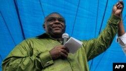 Jean-Pierre Bemba mokambi ya MLC (Mouvement pour la libération du Congo) mpe motambwisi ya lingomba Lamuka) na meeting na place Ste Thérèse N'Djili, Kinshasa, 23 juin 2019.