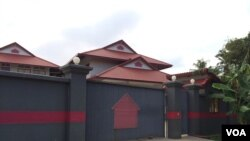 The refugees have all been settled in a large guarded compound with high walls in what appears to be new, high-quality housing. (Photo: Phorn Bopha/VOA Khmer)