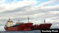 Petroleiros Marida Melissa & Duzgit Integrity no Porto de São Tomé