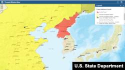 미국 국무부 웹사이트의 여행 주의보 지도. 북한은 '여행금지(Do Not Travel)'인 붉은색, 중국은 '높은 수준의 주의(Exercise Increased Caution)'가 필요한 노란색, 러시아는 '치안 위혐 지역을 포함하며 높은 수준의 주의(Excercise Increased Caution - Contains Areas with Higher Security Risk)'를 요하는 노란색 빗금으로 표시했다.