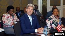 Američki državni sekretar Džon Keri tokom posete Africi