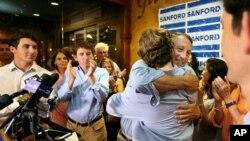Dân biểu Mark Sanford, South Carolina, ông con trai sau cuộc bầu cử sơ bộ hôm 12/6