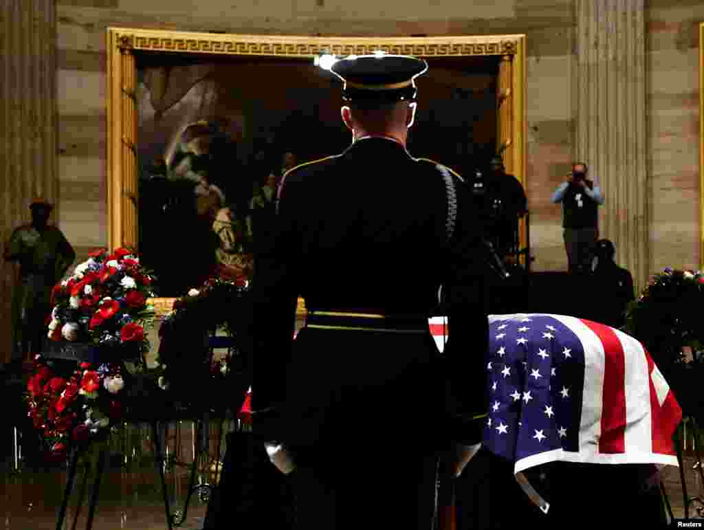 The casket bearing the remains of former U.S. President George H.W. Bush arrives at the U.S. Capitol during the State Funeral in Washington, D.C., Dec. 3, 2018.