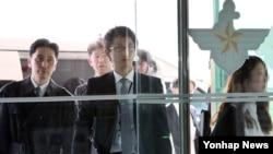 한·일 군사정보보호협정(GSOMIA) 체결을 위한 2차 실무 협의회, 일본 측 실무단이 9일 서울 국방부 본관에 들어서고 있다.