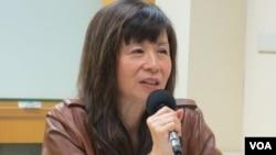公民组合理事、前台湾驻香港光华新闻文化中心主任平路(美国之音张永泰拍摄)