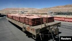 Des cathodes de cuivre de la mine d'Escondida, à Antofagasta, au Chili, le 31 mars 2008.