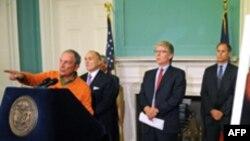ნიუ იორკის მერი მაიქლ ბლუმბერგი პრეს კონფერენციას მართავს, 20 ნოემბერი, 2011