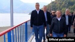 Predsednik Kosova tokom obilaska jezera Gazivode u subotu, 29. septembra 2018.
