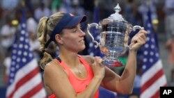 US Open တင္းနစ္ အမ်ဳိးသမီးတဦးခ်င္း ဗုိလ္လုပြဲမွာ ဂ်ာမနီႏုိင္ငံသူ Angelique Kerber ဗိုလ္စဲြ (စက္တင္ဘာလ ၁၀)