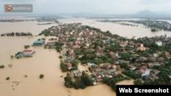 Lũ lụt ở miền Trung Việt Nam, tháng 10 năm 2020. Web screenshot from Moitruongdothi.vn