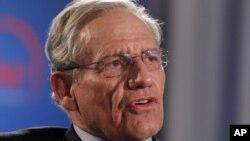 អតីតអ្នកសារព័ត៌មាននៃកាសែត Washington Post លោក Bob Woodward ថ្លែងនៅក្នុងកម្មវិធីមួយឧបត្ថមដោយ Washington Post ដើម្បីរំឮកខួប Watergate ៤០ឆ្នាំ កាលពីថ្ងៃទី១១ ខែ មិថុនា ឆ្នាំ ២០១២។