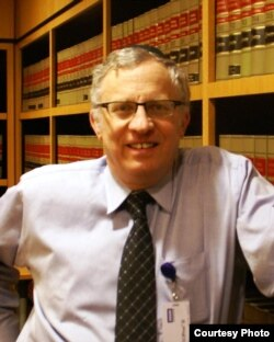 """""""美国犹太人委员会""""法律顾问马克•斯特恩(Marc D. Stern) (本人提供)"""
