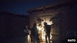 افغانستان دفاع وزارت وايي په وروستیو اونیو کې یې د وسله والو طالبانو پر خلاف شپني عملیات درې ځلې زیات کړي دي.