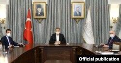 İstanbul İl Pandemi Kurulu Toplantısı Vali Ali Yerlikaya ve İBB Başkanı Ekrem İmamoğlu'nun katılımıyla yapıldı