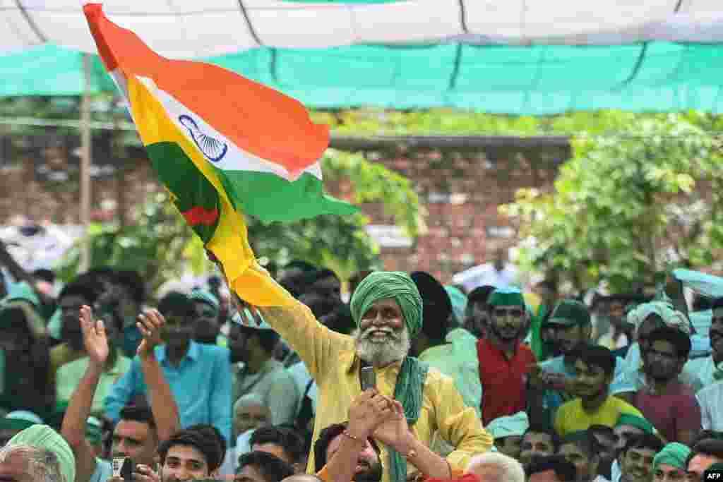 حکومت کی جانب سے متعارف کردہ نئے زرعی قوانین کے خلاف بھارتی کسان گزشتہ کئی ماہ سے سراپا احتجاج ہیں۔