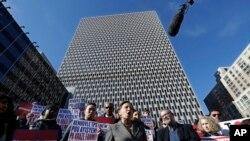 Une manifestation contre la suppression de la mesure qui protège les Haïtiens aux États-Unis, à New York, le 21 novembre 2017.