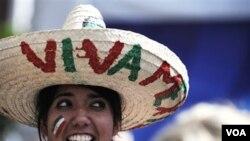 México celebró con una goleada en el campo, mientras los fanáticos también esperan noticias por los jugadores desafectados.