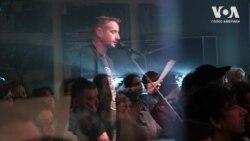 У Нью-Йорку Сергій Жадан та американські митці читали його вірші про війну і любов під супровід джазу. Відео