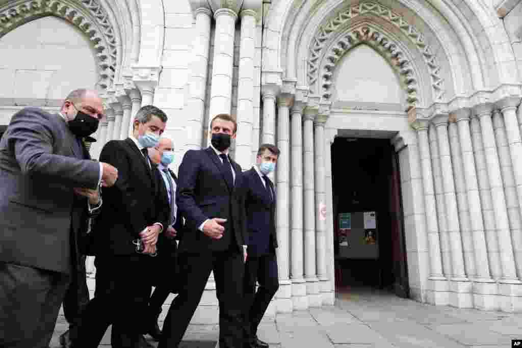 에마뉘엘 마크롱 프랑스 대통령이 노트르담 성당 흉기 사건 현장을 방문했다. 중동과 아시아의 이슬람 신도들은 프랑스 정부가 이슬람 창시자 모함마드 풍자 만화 출간을 허용한 데 항의하는 시위를 벌였다.