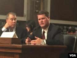 薛瑞福11月16日出席參議院軍事委員會確認聽證會(美國之音記者李逸華拍攝)