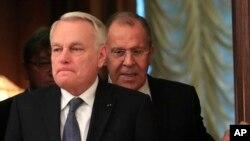 资料照 俄罗斯外长拉夫罗夫与法国外长让-马克.埃罗10月6号在莫斯科会晤
