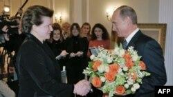 Валентину Терешкову с 70-летием поздравляет Владимир Путин