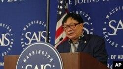 미국 수도 워싱턴DC에서 열린 북한인권개선국제회의에서 발언 중인 오길남 박사