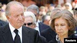 """""""España, dan ganas de llorar, todo son penas"""", dijo el rey Juan Carlos"""