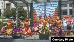 Tari Baris Bali diiringi Gamelan Bali pada Pagelaran Indo Day di San Francisco (Foto: KJRI San Francisco)