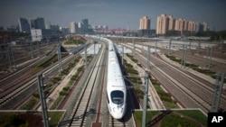 中国高速动车试行从北京开往上海(2011年6月27日)