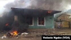 Ibiro bya polisi ya Mulongwe byahamijwe inkongi y'umuriro n'abigaragambya muri RDC