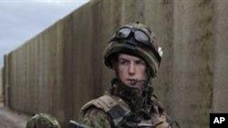 عراق جنگ کے دوران برطانوی فوجی زیرِ حراست قیدیوں پر تشدد میں ملوث تھے: رپورٹ