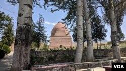 Shoh Fozil tarixiy-yodgorlik majmuasi, Safed Bulon, Qirg'iziston