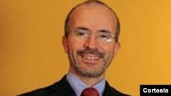 César Martínez, analista y asesor político
