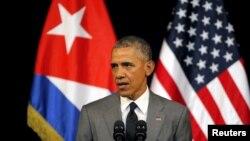 Presiden AS Barack Obama berpidato di Gran Teatro di Havana, Kuba (22/3). (Reuters/Carlos Barria)