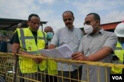 Eritrean and Ethiopian leaders Observing GERD