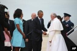 Rais Obama amkaribisha Papa Francis
