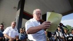 Šef policije u Fergusonu, Tomas Džekson, saopštava ime policajca koji je usmrtio Majkla Brauna