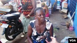 Vendedeira no mercado de Bandim, Bissau.