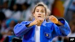 Majlinda Kelmendi làm nên lịch sử khi mang về chiếc huy chương vàng Thế vận hội đầu tiên cho Kosovo.