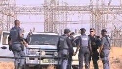 南非警察向罷工礦工開槍造成至少30死亡