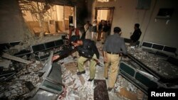 Suicide Blast at Pakistan Court Complex